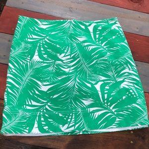 🎉3/$35 Talbots Green & White Skirt